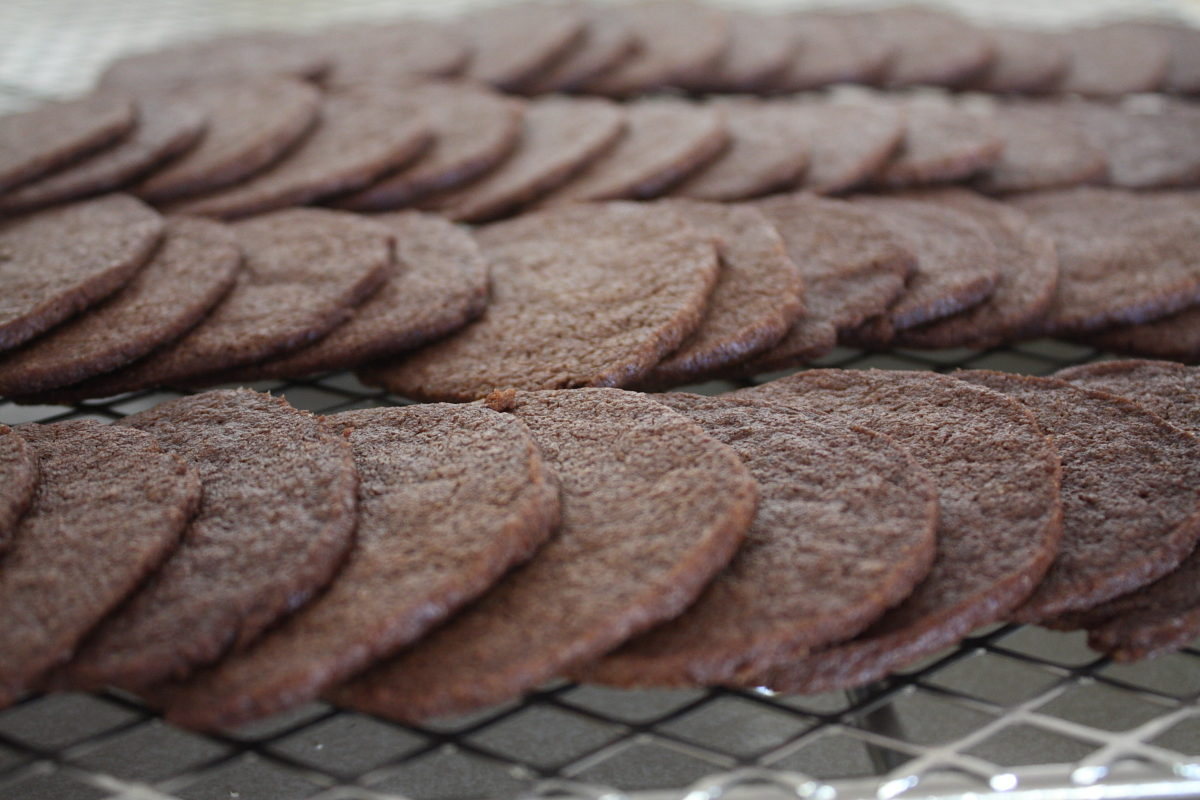 Famous(ly expensive) Chocolate Wafers – Scratchin' It