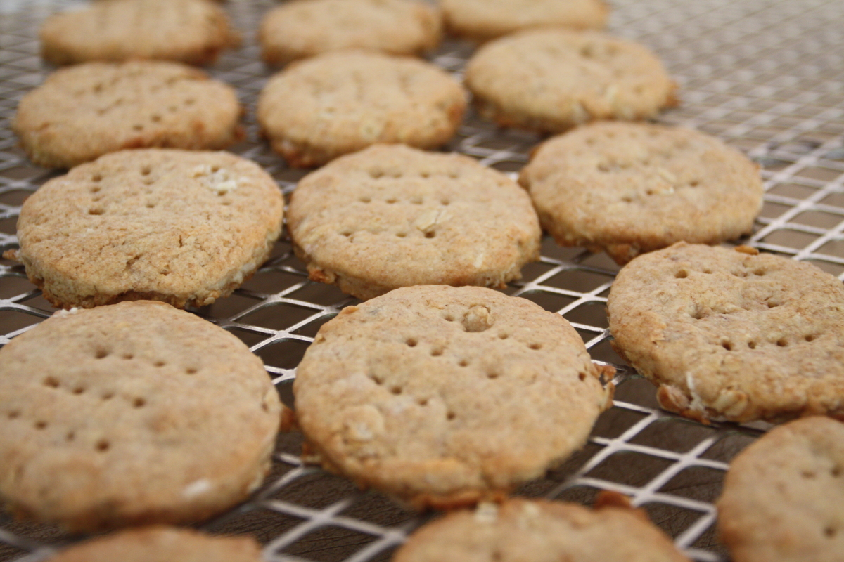 how to make lotus biscuits from scratch