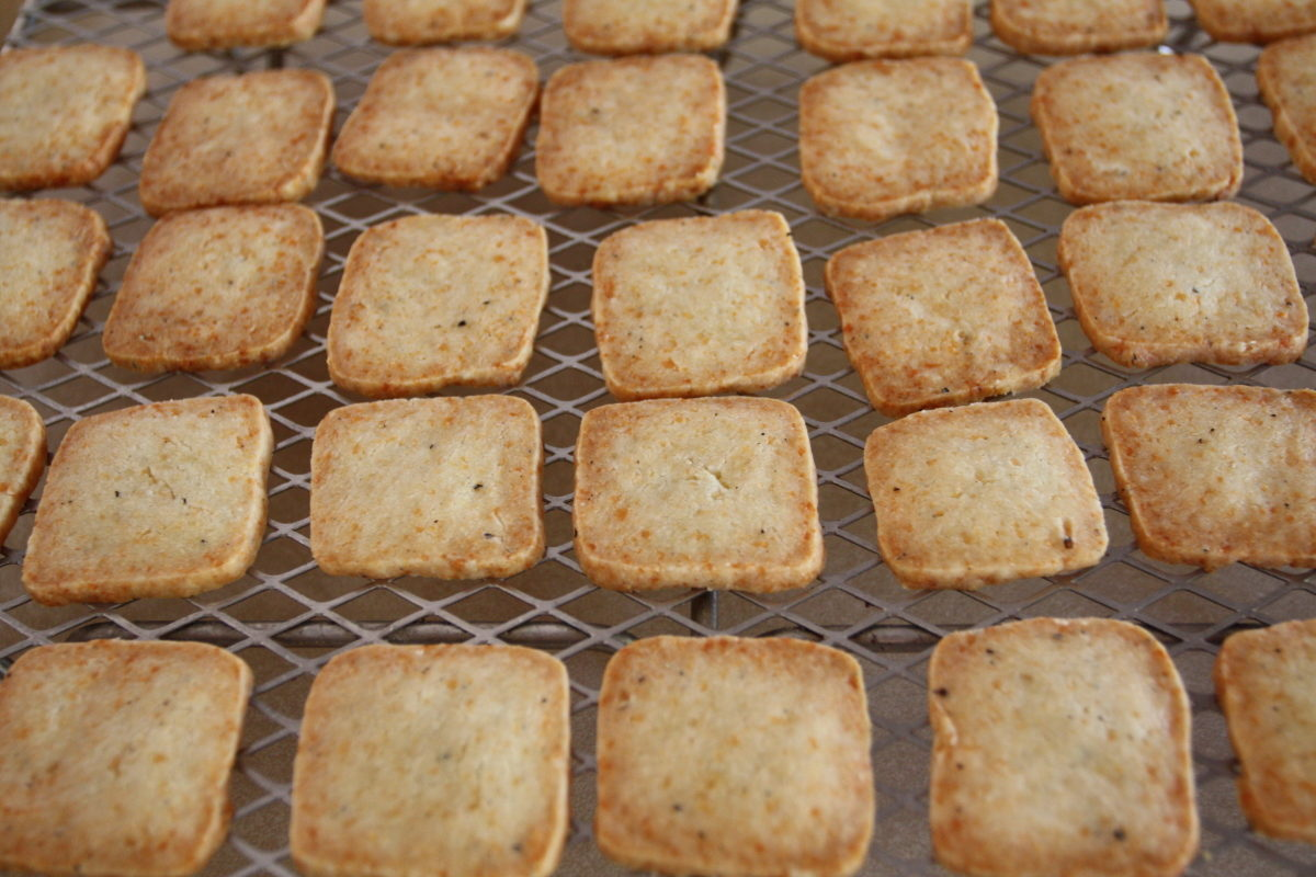 cheese and pepper crackers