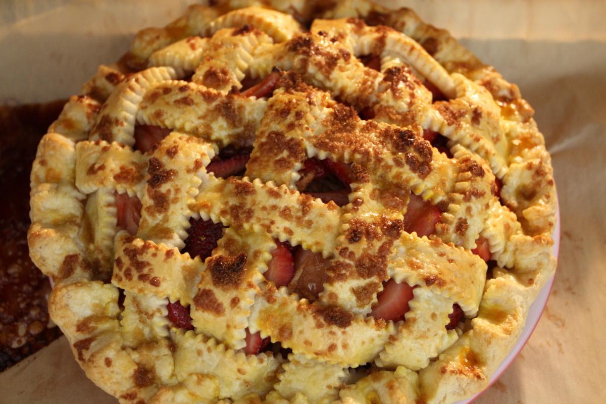 Strawberry Balsamic Pie