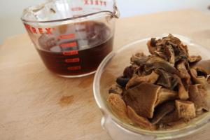 mushrooms and broth