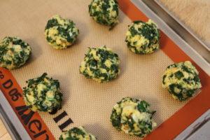 spinatknodels ready for baking